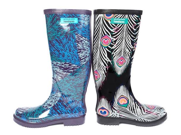 En rain boots Havaianas le long des golfes clairs…