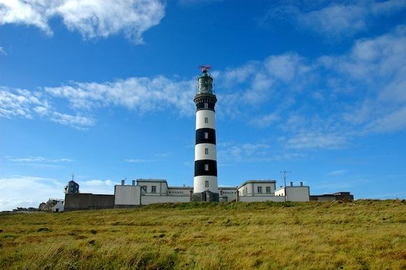 Le phare de Creac'h et ses célèbres rayures. © Guillaume Lecuillier / CRTB.