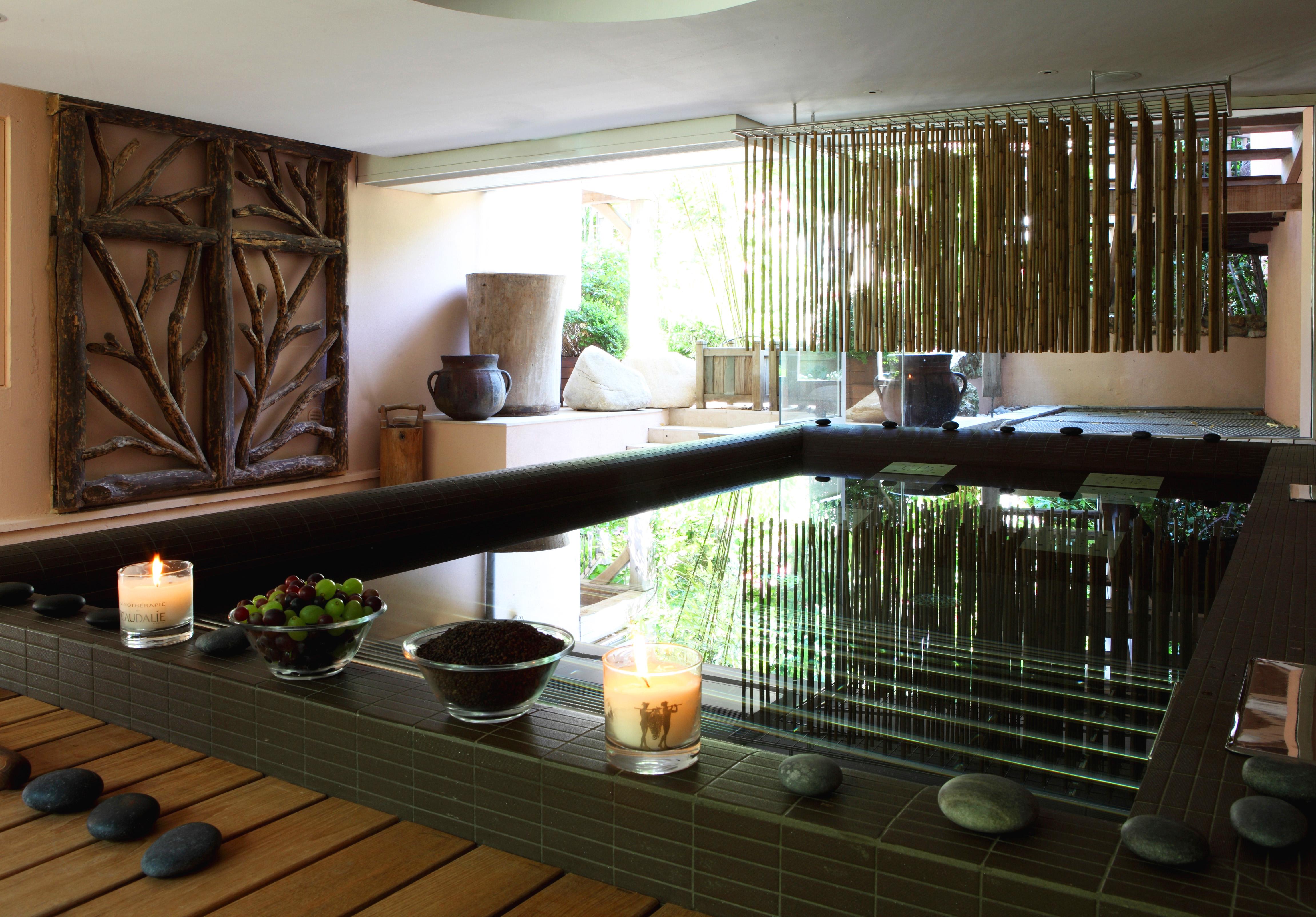 top 5 des spas de marque la bulle. Black Bedroom Furniture Sets. Home Design Ideas